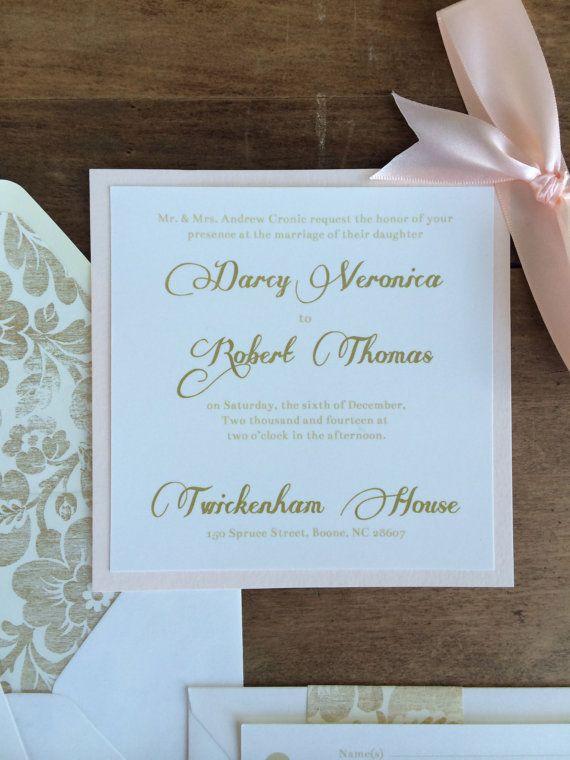 Inviti di nozze Blush e oro di RiverKissWeddings su Etsy
