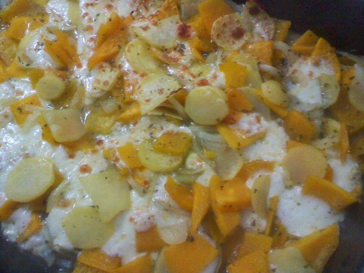 la cucina (imperfetta) di Claudia: Zucca patate e formaggio  Ottobre inoltrato, tempo...