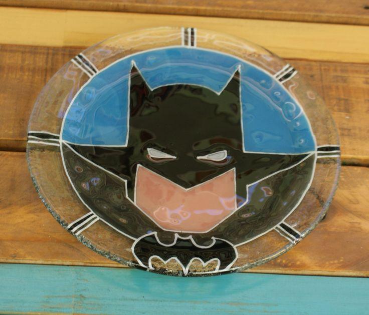 Plato Batman Vitrofusión - Fused glass - Fusing Medida: 24 cm  Espesor: 6 mm