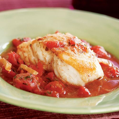 Halibut Braised in a Tomato-Fennel Broth - FineCooking
