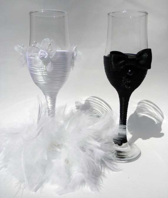 Hand Decorated Champagne Glasses  Handmade by HANDMADEONLYFORYOU, €29.50