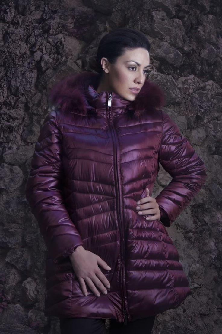 Piumino #LindasOver color violetto. Seguici su www.lindas.it