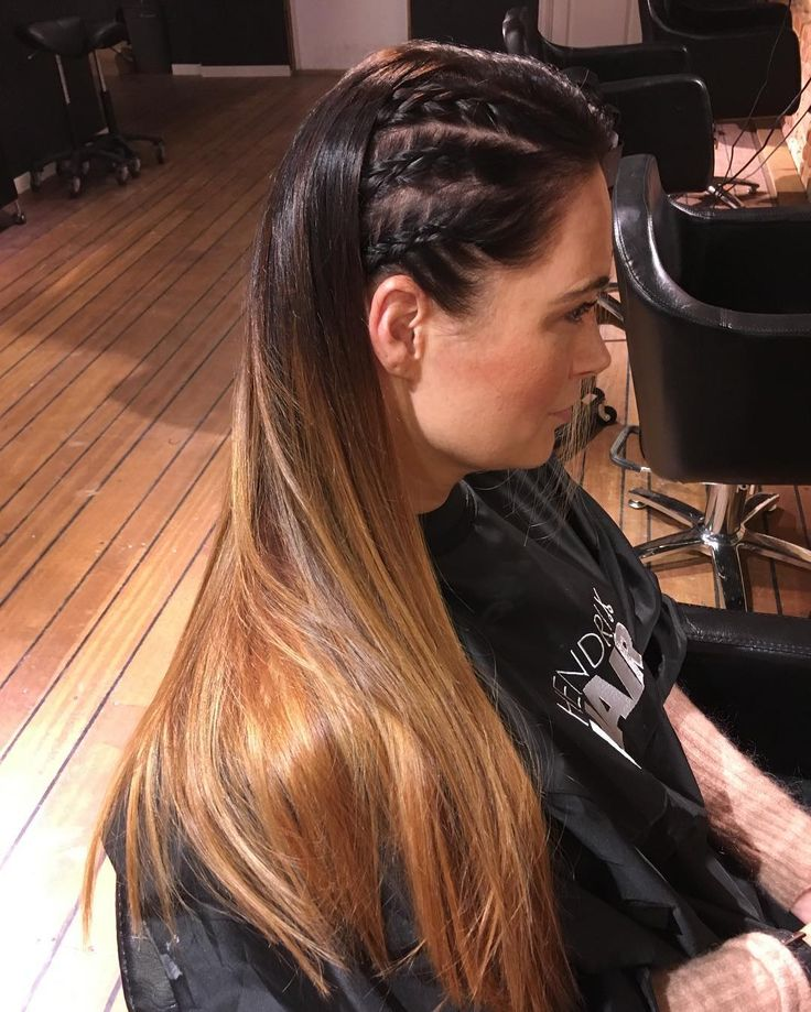 Denne fargen! 🙌🏻 Også så tøft med flettene perfekt enkel styling til julebordet! ❤️ @hendrixhair @hendrixhairdrammen #hendrixhair #hendrixhairdrammen #drammen #julebord #miriamquevedo #frisørdrammen #frisør #ghd #hempz #chocolate #hair #nofilter #nofilterneeded #hairstyles #braids #braid #flette #matrixcolor #balayage