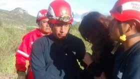 Heroico cuerpo de bomberos rescata a menor extraviada en Tlacolula de matamoros