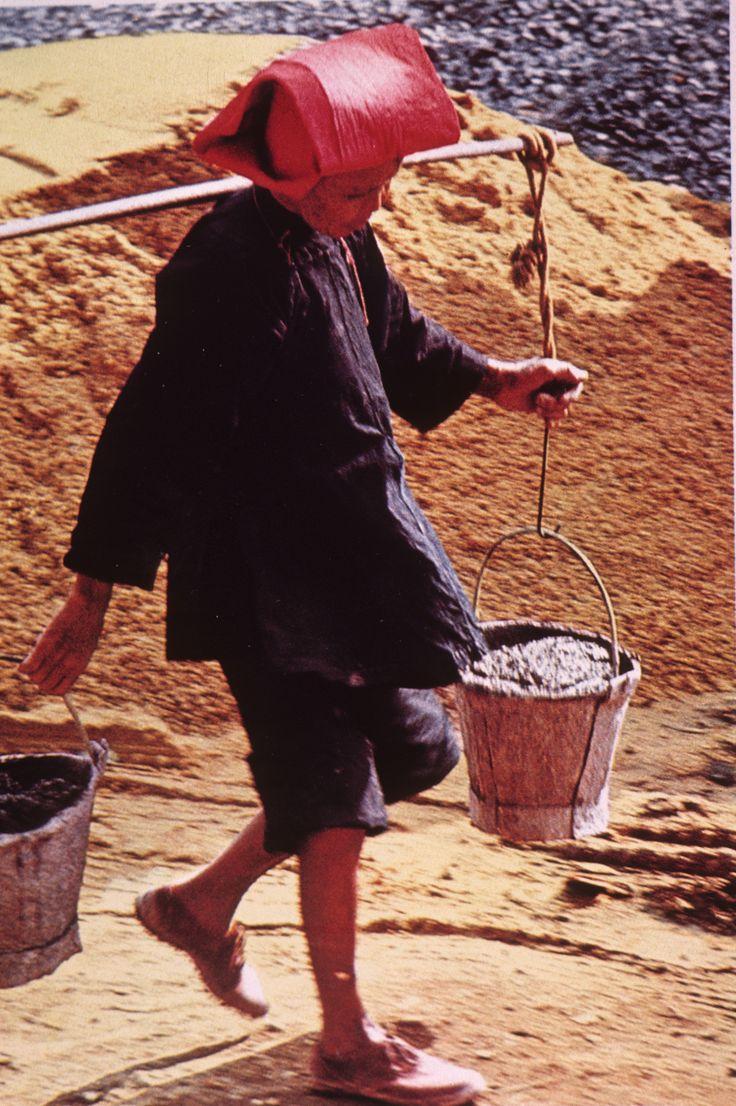 singapore malaysia samsui woman hakka woman working in site