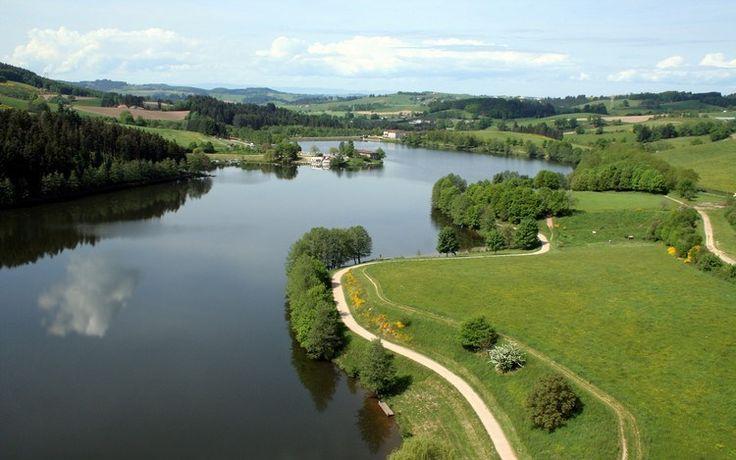 les aires de pique-nique - le lac des Sapins à Cublize, près de Lyon