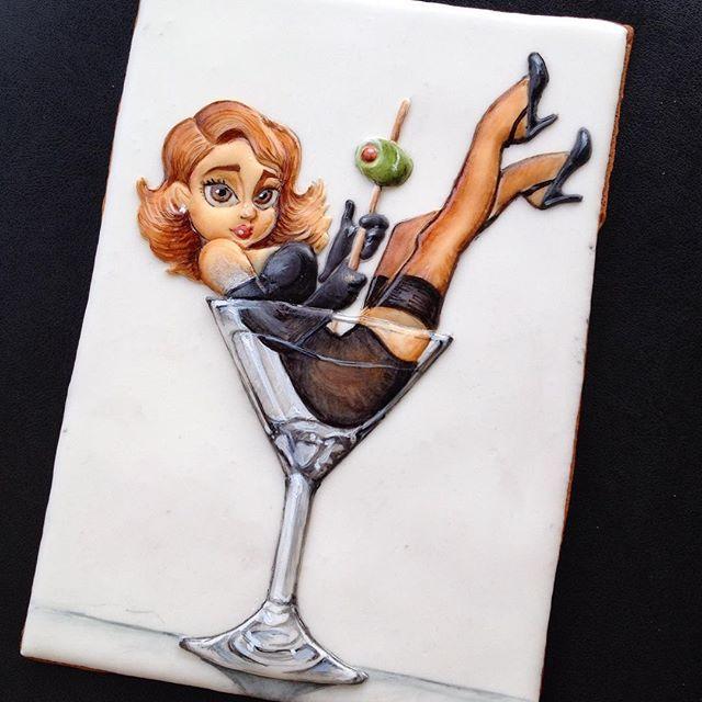 Мы с Татьяной @krosht обсуждали иллюстрацию для #мкпоросписипряников и решили взять натюрморт  кому оливочку?