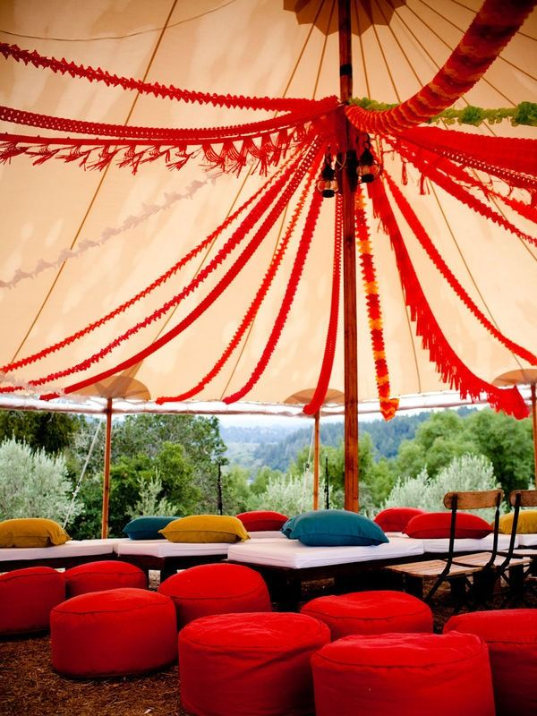 amazing decor in a wedding tent