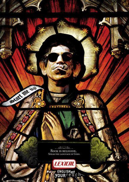 """""""Rock to religia. Mów językiem Bogów"""". Reklama brazylijskiej szkoły języków obcych Lexical, której slogan brzmi """"Angielski w zasięgu ręki"""". Na zdjęciu: Keith Richards"""