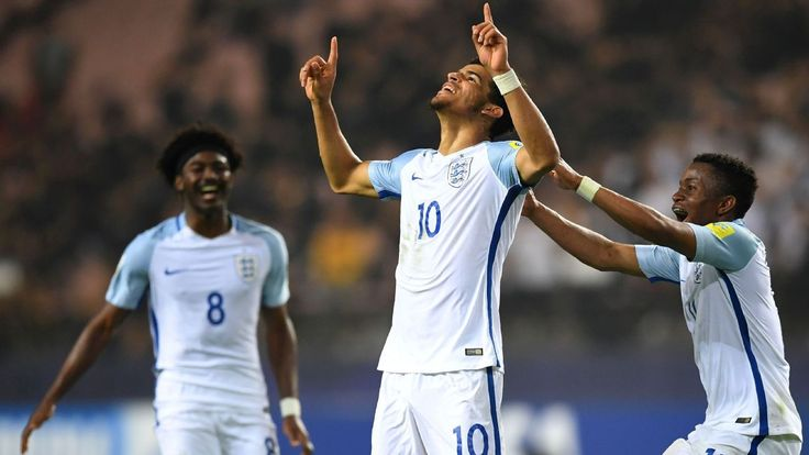 Dominic Solanke on target as England under-21s ease to win in Ukraine