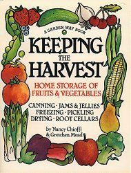 Keeping the Harvest is one of my favorite preservation books and one i go to frequently | PreparednessMama