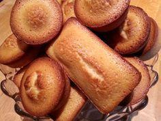 Le financier, ce petit gâteau en forme de lingot d'or, est extrêmement facile à cuisiner. A la fois fondant et très moelleux, il est très apprécié au goûter