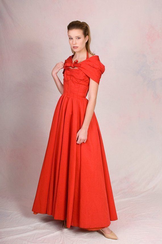 94a1ca2c7f Vintage 1950 s Red Halter Grace Kelly Ball Gown w  Matching Capelet  Sweetheart Neckline Dress Size X