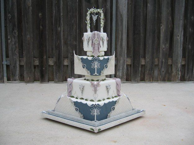 Lord Of The Rings. The Nerdiest Wedding Cakes You'll Ever Want To Eat • Page 4 of 5 • BoredBug