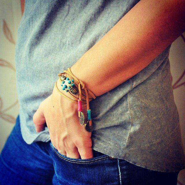Bileklik de olurum kolye de! www.zet.com/tasarimci/anatoliangirls #anatoliangirls #bileklik #kolye #design #özeltasarım #welovecolours #blogger #bloggerlife #instapic #instagood #bohemiangirl #bohemian #inspiration #camboncuk #fashion #lampworking #boho #bohochic #bohostyle #cool #fashion #fashionblogger #ürünümüsatıyorum #zetsocial #nazarboncuğu #nazarboncugu