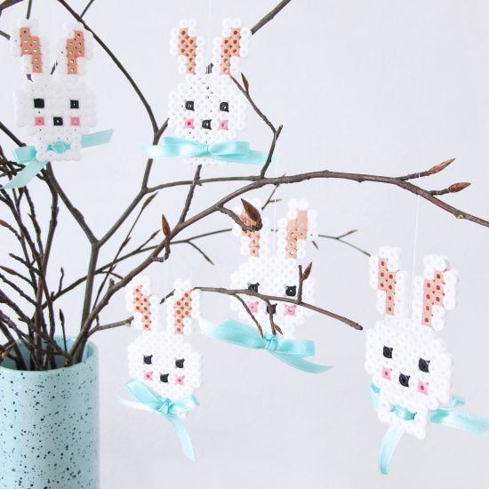 Make the cutest Easter bunnys in hama beads and add a bow that gives the final touch