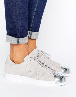 adidas Originals - Superstar - Scarpe da ginnastica grigio metallico con punta argento