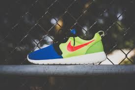 Nike Roshe Run. I'm obsessed with these!       roshesale.com