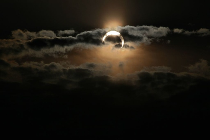 Mike Kalush took this dramatic shot of the eclipsed Sun setting over the Rocky Mountains from Denver, Colorado.Sun Sets, Eclipes Sun, Eclipes 20May2012, Denver Colorado, Rocky Mountains, Awesome Nature, Mike Kalush, Eclipse Sun, Solar Eclipes