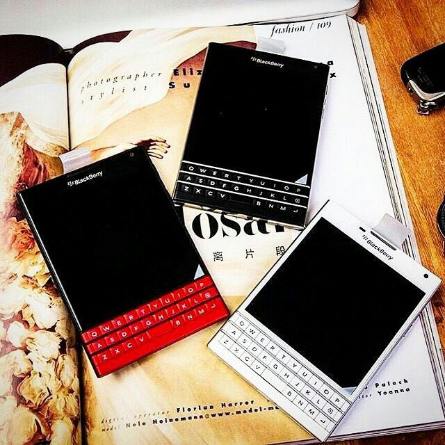 BlackBerry Passport Red - Black - White