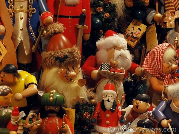 what they sell at the german christmas market in kiel weihnachtsmarkt repinned by www. Black Bedroom Furniture Sets. Home Design Ideas