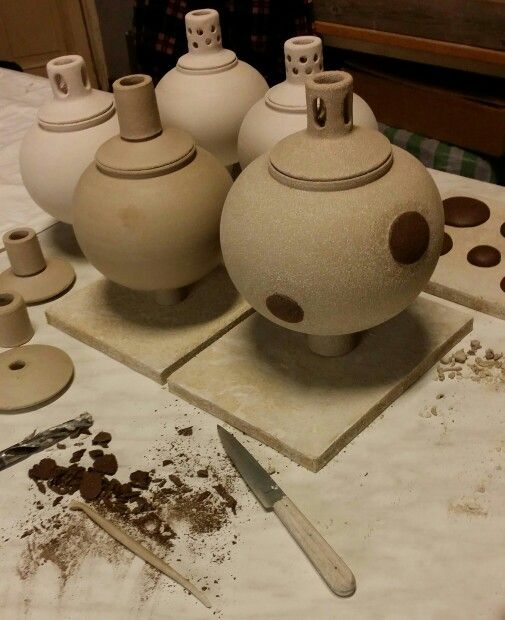 #stengods #trädgårdskonst #oljelampa #stoneware #candleholder #garden #art #ceramic