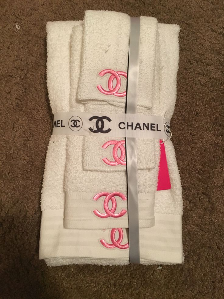 The 25 Best Ideas About Chanel Bedding On Pinterest Chanel Room Chanel Decor And Chanel