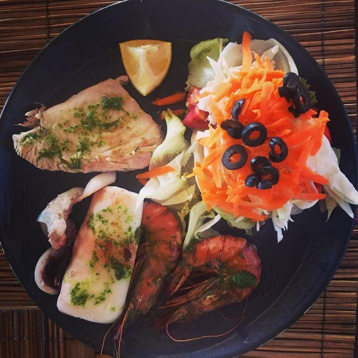 📷 @maismeals 'As fresh as it comes; squid, fish and prawns @giliasahanecolodge #seafood #fresh #giliasahan #secretislands #unspoilt #islandfood #lombokfood #indonesia' #regram #nautilusrestaurant #island #lombok #food #italianstyle #localingredients #healthyfood #eatwell #underthesun #oceanbreeze #lifesabeach #beachlife #oceanvibes #lodge #instatravel #getaway #passportready #traveltheworld #aroundtheworld #eco