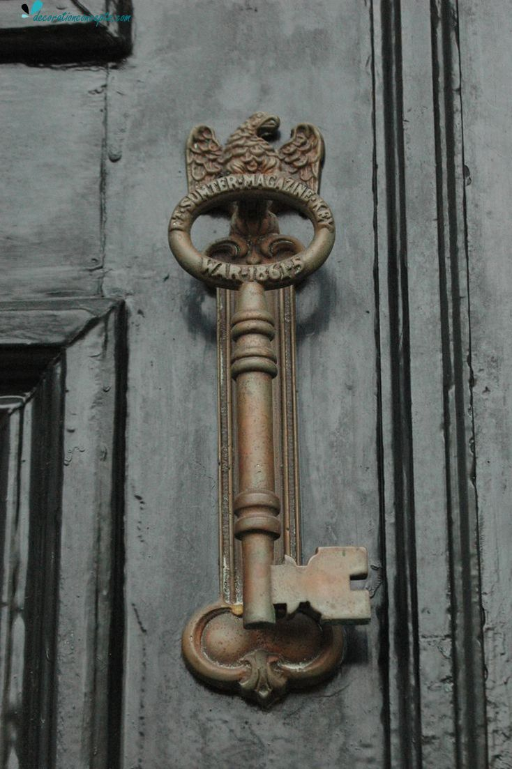 Vintage door knobs with skeleton key - Here We Listed Really Eyeful And Effective Old Door Design Ideas There Is Really Antique Door Knobs Handles And Knockers That Will Affect You Definitely