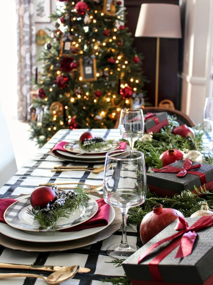 20 Christmas Table Settings Making your Meal