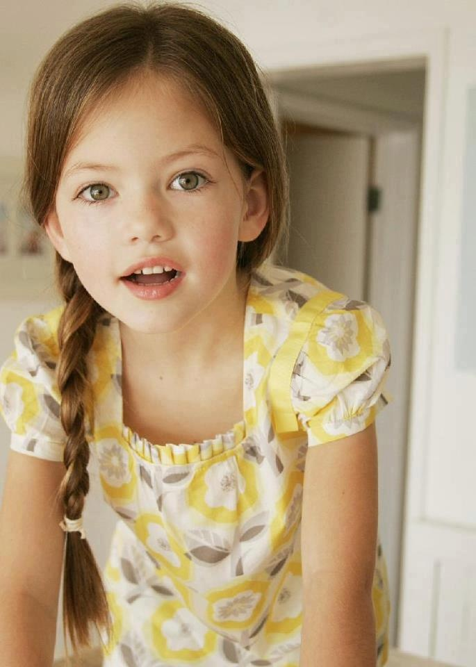 Mackenzie Foy is so dang adorable!!                                                                                                                                                      More