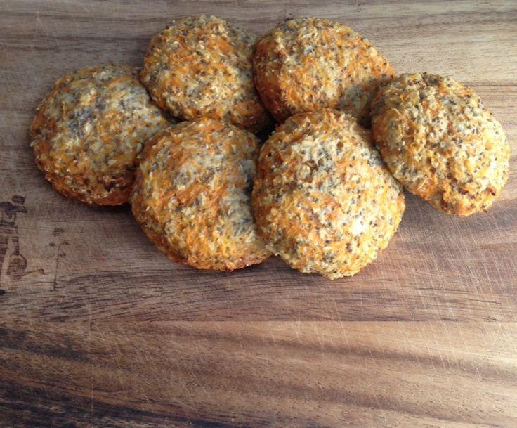 Nemme skyr-boller med gulerod (Carrotstick.dk)