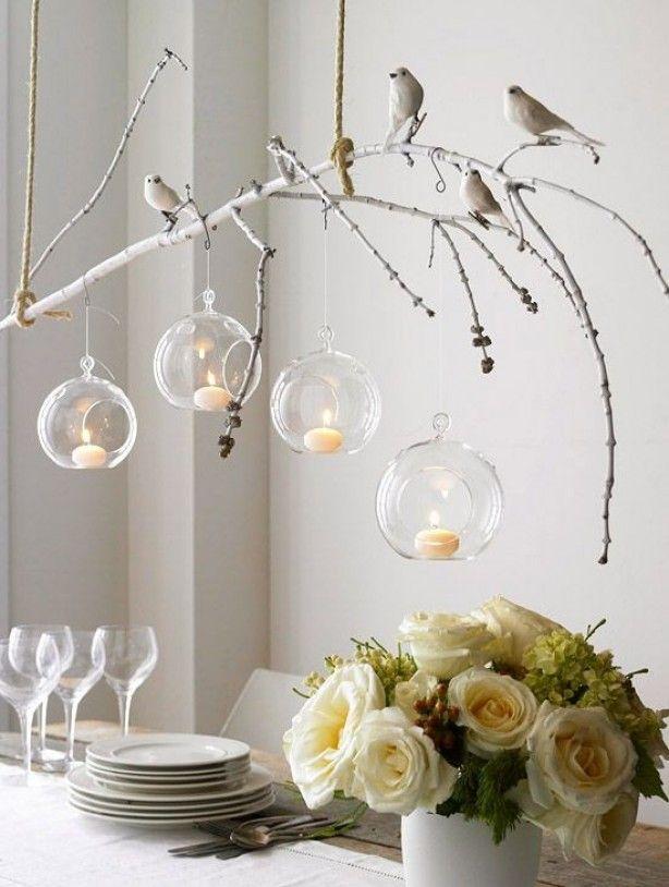 ....Wat een inspiratie!...... takje... vogeltjes... mooie bloemen... mooie servies...  maak het gezellig boven de eettafel met takken en vogels   SMAKELIJK....