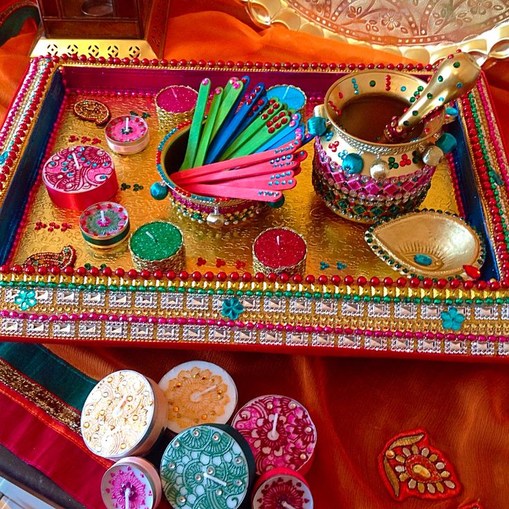 Large rectangular Mehndi plate, with matching oil and Mehndi matki pots. Love the multi colours in this plate. See www.facebook.com/mehnditraysforfun