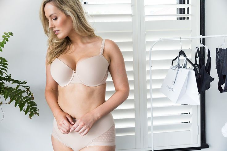 Our muse range features graphic lace that gives the illusion of texture while providing you with the ultimate comfort.  The culotte briefs are great for wearing under high rise jeans and trousers.  Available in David Jones our Flagship Store and select Lingerie Boutiques Nationwide.