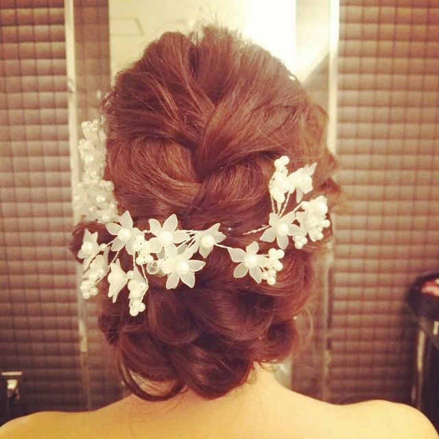 #ヘアアレンジ#ヘアセット#ヘアメイク#ヘア#編み込み#ツイスト#結婚式#髪型#花嫁#ブライダル#ヘッドドレス #ルーズ#ヘアスタイル #ウェディングドレス #wedding#bridal#hairarrange#hairmake#ヒルサイド神戸#プレ花嫁#二次会#updo