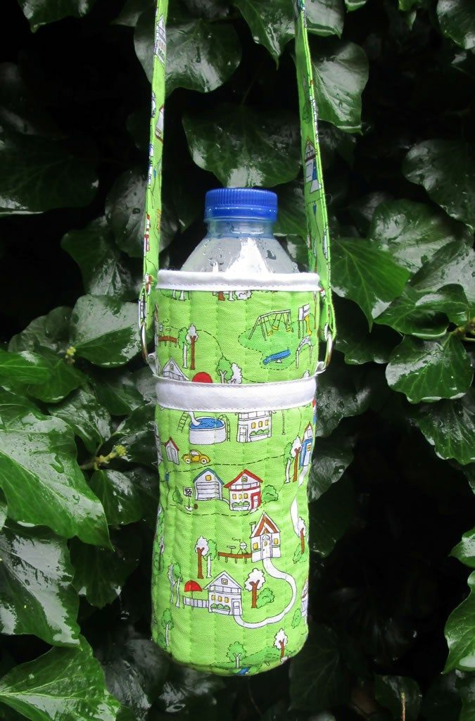 Wonderful DIY Water Bottle Holder | This water bottle carrier is great back-to-school sewing project!