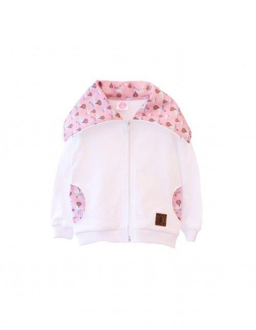 Bluza na zamek w kolorze białym,  z ozdobnym kołnierzem i kieszeniami,  w motywie balonów na różowym tle