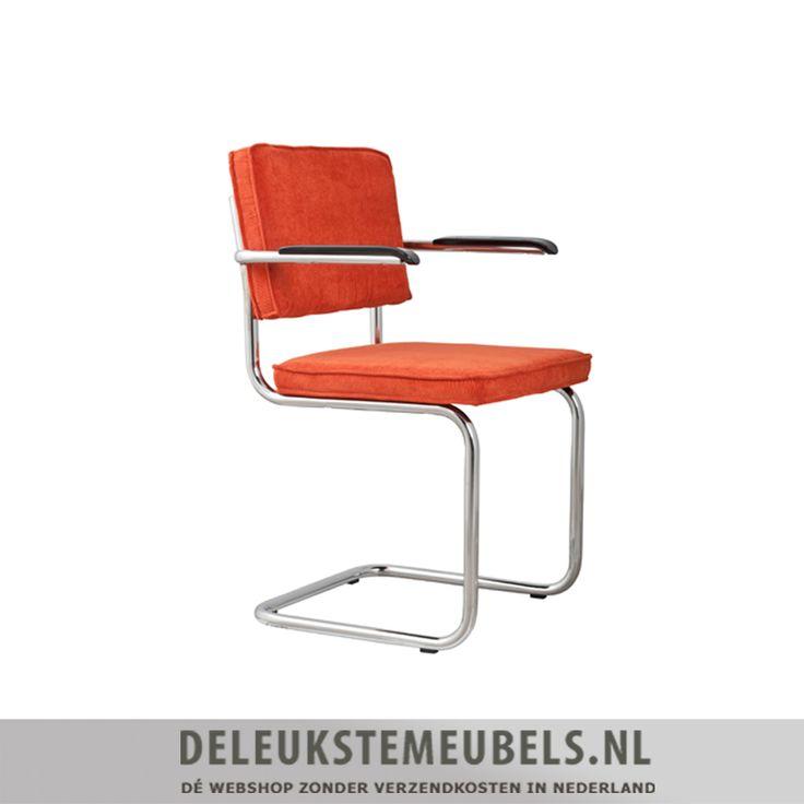 Deze stoere retro eetkamerstoel Ridge Rib van het merk Zuiver is echt top! De eetkamerstoel is uitgevoerd in een stoere ribstof in de kleur oranje. In combinatie met het subtiele biesje en het chromen frame en armleuningen is hij helemaal af! Deze stoel is verkrijgbaar in diverse kleuren en door zijn vormgeving goed te combineren in vele interieurs. Extra maten: Zithoogte 48cm Armhoogte 68,5cm Eetkamerstoelen van Zuiver online kopen doe je snel en zonder verzendkosten bij…