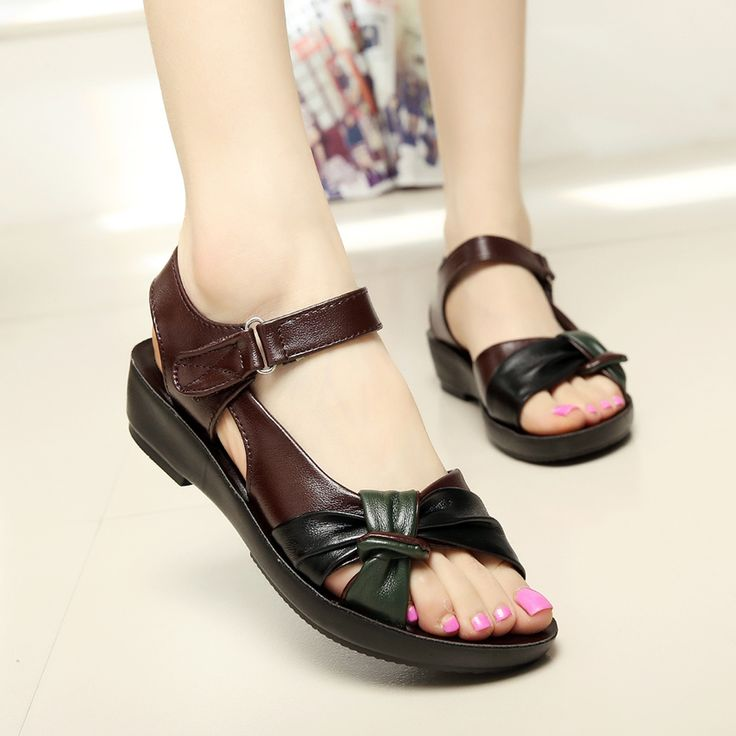 2017 summer shoes flat sandals women aged leather flat with mixed colors fashion sandals comfortable old shoes