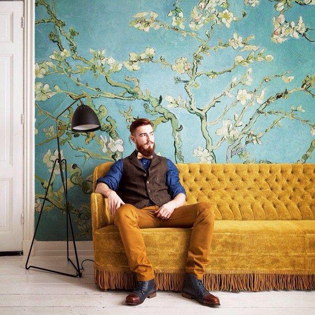 SnapWidget | Decoratie ☆ Zelf een Van Gogh aan de muur? Met het nieuwe behang van BN Wallcoverings haal je in één keer het voorjaar in huis. Deze tere Amandelbloesem schilderde Van Gogh destijds voor zijn pasgeboren neefje Vincent Willem: lief en mooi. #mannennummer #kioskcandy #MarchIssue #vangogh