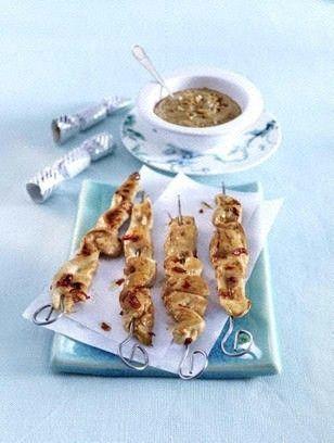 Hähnchen-Saté-Spieße mit Erdnuss-Soße Rezept