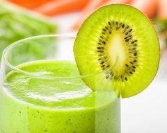 Smoothie concombre et  kiwi : http://www.cuisineaz.com/recettes/smoothie-concombre-et--kiwi-64691.aspx