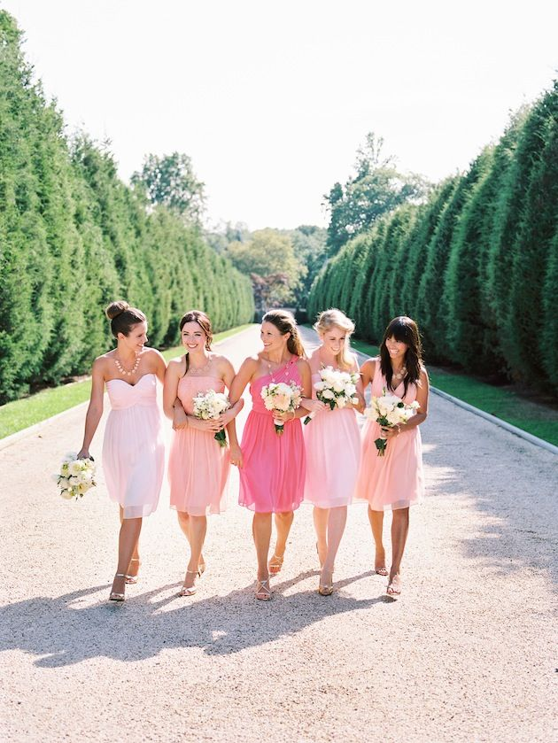 Love these oh so flattering #bridesmaids dresses in pretty pink hues by Donna Morgan