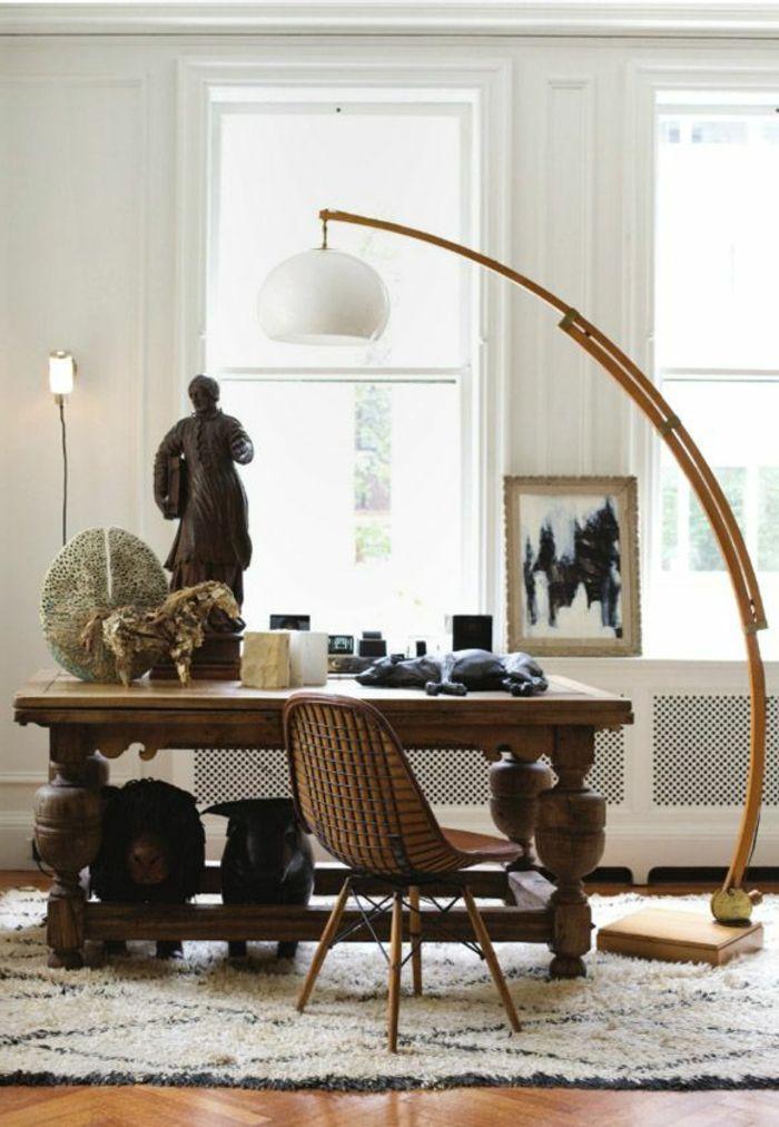 la lampe arc en bois pour la salle de séjour