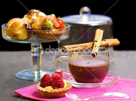 Chocolate cup with confectionery — Immagine Stock #42518917