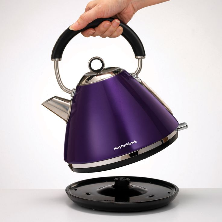 The Plum Acents kettle from Morphy Richards will add a metallic purple touch to your kitchen. Brighten up your mornings!