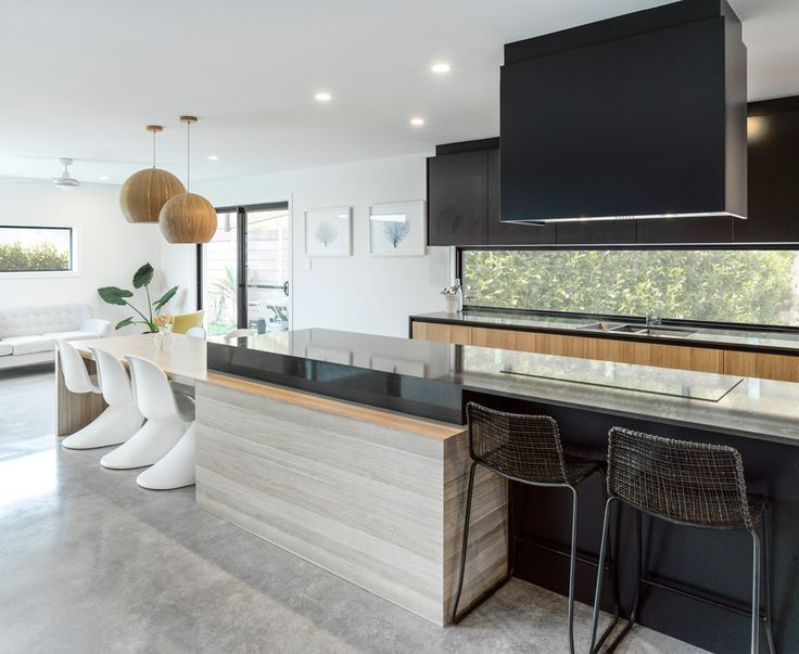 polytec Natural Oak - Dayne Lawrie Constructions