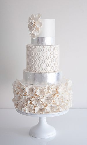 http://CakeDecoratingCoursesOnline.com/cake-decorating/, Quatrefoil Wedding Cake: Looking for Best #Wedding #Cake? - Get Best Cakes #Decoration #Tutorials on http://CakeDecoratingCoursesOnline.com - Join now!