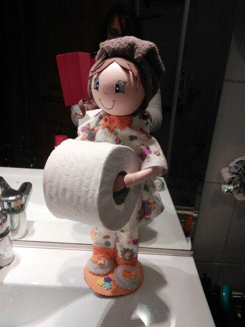 Bonequinha porta rolo de papel higiénico